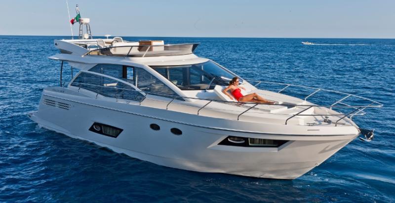 NUEVO ABSOLUTE 55 en versión Fly y Sport Yacht.